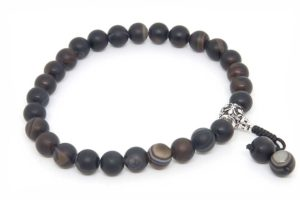 Буддийские четки-браслет из черного агата 27 бусин с серебряной гуру