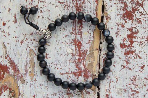 Изящные буддийские четки-браслет из черного матового агата 27 бусин с серебряной гуру