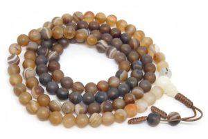 Буддийские четки из коричневого матового агата 108 бусин