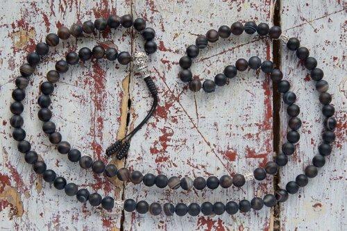Буддийские четки из матового черного агата с серебряной гуру
