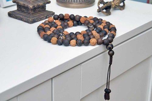 Крупные буддийские четки из кракелированного агата, рудракши и Дзи