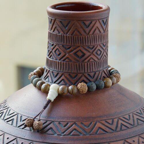 Буддийские четки-браслет из матового агата, рудракши и дерева