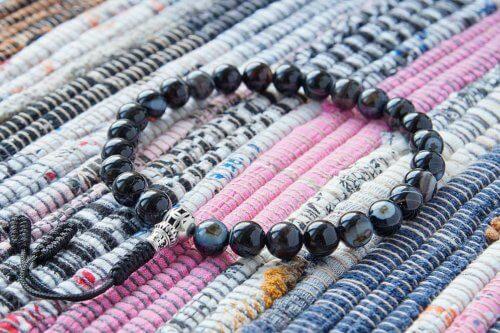 Буддийские четки-браслет из черного агата с серебряной гуру 27 бусин