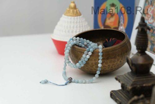 Буддийские четки из аквамарина с серебряной гуру 108 бусин