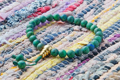 Буддийские четки-браслет из матового азуромалахита 27 бусин, они же — четки на руку