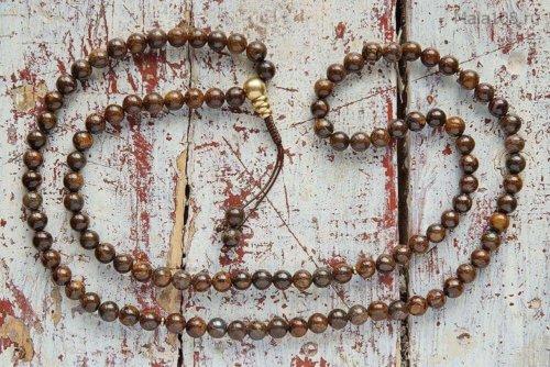 Классические буддийские четки из полированного бронзита