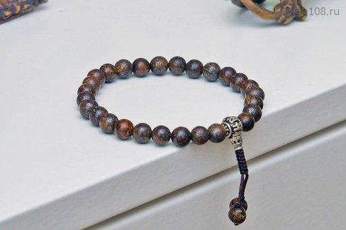 Изящные буддийские четки-браслет из бронзита, они же — четки на руку