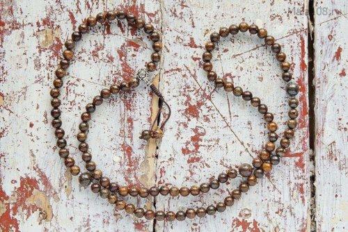 Изящные буддийские четки из полированного бронзита