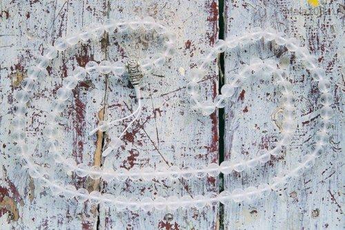 Крупные буддийские четки из матового хрусталя с мантрой «Ом мани падме хум»