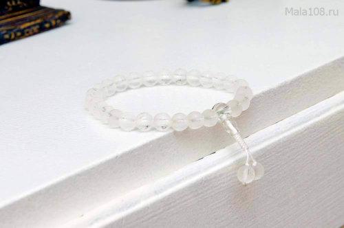 Буддийские четки-браслет из матового хрусталя с гравировкой мантры «Ом мани падме хум»