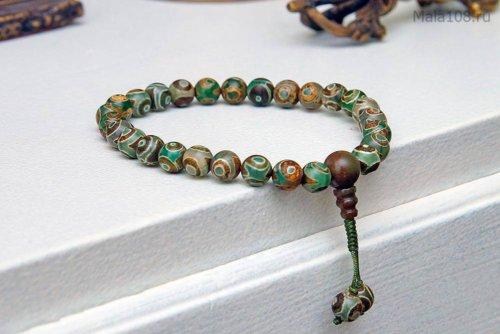 Классические буддийские четки-«браслет» из зеленых бусин Дзи с рисунком 3 глаза, они же — четки на руку