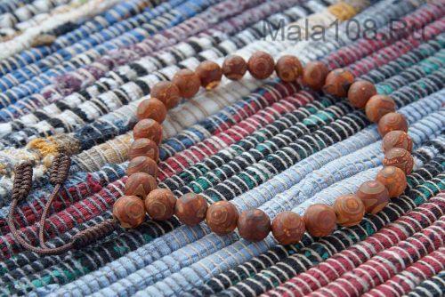 Крупные буддийские четки-браслет из матовых бусин Дзи