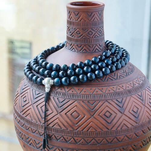 Крупные буддийские четки из камня соколиный глаз с серебряной гуру