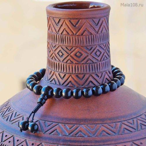 Классические буддийские четки-браслет из гагата, они же — четки на руку