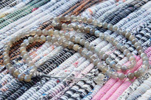 Буддийские четки из лабрадорита с серебряной гуру 108 бусин