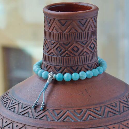 Изящные буддийские четки-браслет из ларимара 27 бусин с серебряной гуру