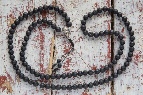 Классические буддийские четки из базальтовой лавы 108 бусин