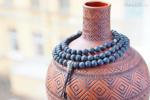 Крупные буддийские четки из базальтовой лавы