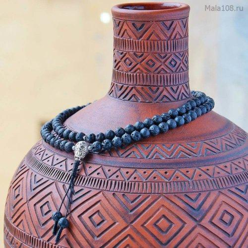 Изящные буддийские четки из базальтовой лавы