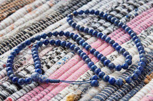 Изящные буддийские четки из лазурита 108 бусинИзящные буддийские четки из лазурита 108 бусин