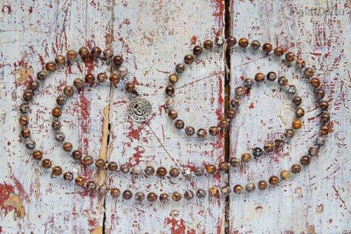 Классические буддийские четки из лланита, он же камень Que-Sera