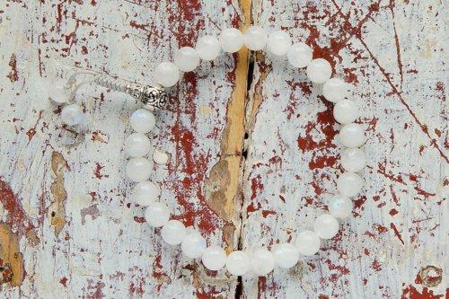 Изящные буддийские четки-браслет из лунного камня 27 бусин