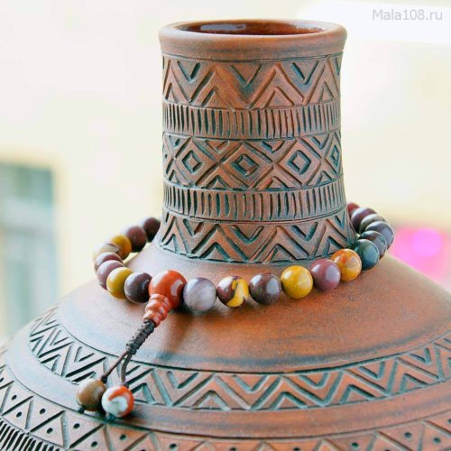 Буддийские четки-браслет из яшмы мукаит, они же — четки на руку