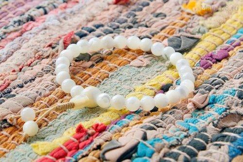 Буддийские четки-браслет из перламутра 27 бусин, они же — четки на руку