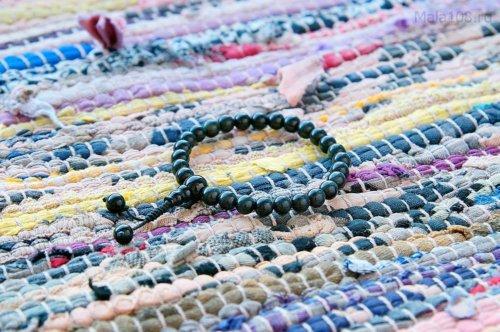 Изящные буддийские четки-браслет из обсидиана 27 бусин, они же — четки на руку