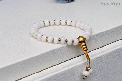 Буддийские четки-браслет из белоснежного кварца, они же — четки на руку