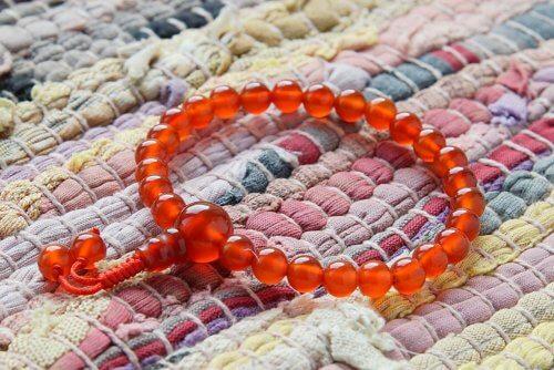 Изящные буддийские четки-браслет из сердолика 27 бусин