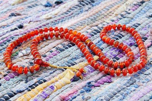 Изящные буддийские четки из полированного сердолика