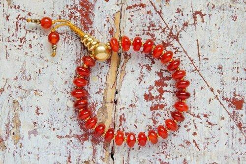 Буддийские четки-браслет из сердолика 27 бусин, они же — четки на руку