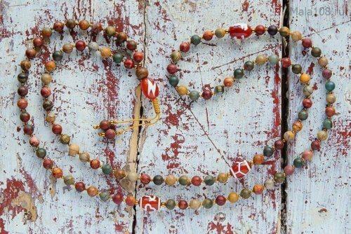 Изящные буддийские четки из яшмы расцветки пикассо с бусинами Дзи