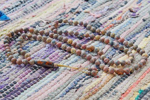 Буддийские четки из матовой пестрой яшмы с бусинами Дзи 108 бусин
