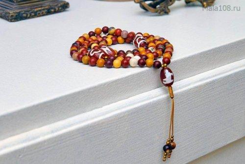 Изящные буддийские четки из яшмы мукаит с бусинами Дзи
