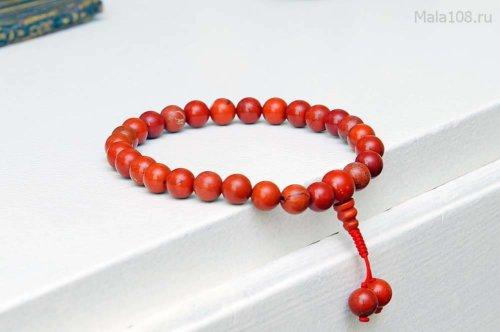 Буддийские четки-браслет из красной яшмы, они же — четки на руку