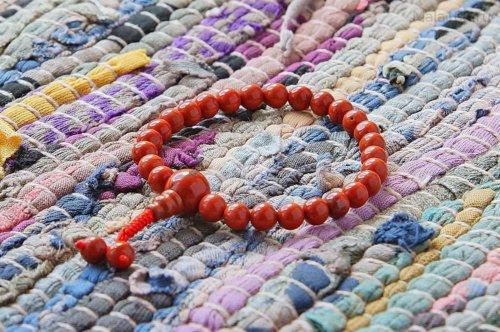 Изящные буддийские четки-браслет из красной яшмы, они же — четки на руку