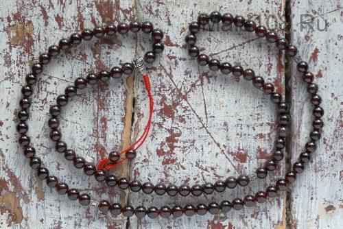 Буддийские четки из граната с серебряной гуру 108 бусин