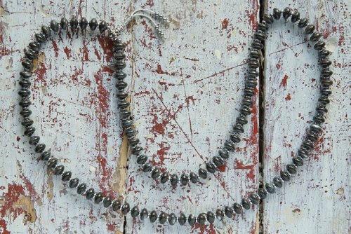 Буддийские четки из перламутра с серебряной гуру 108 бусин