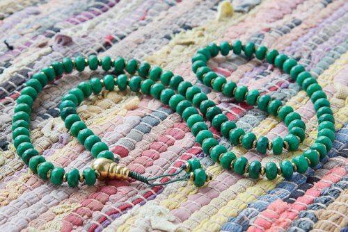 Буддийские четки из зеленого граненого агата-ронделя 108 бусин