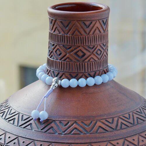 Изящные буддийские четки-браслет из сапфирина с серебряной гуру 27 бусин