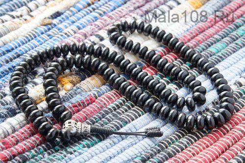 Четки из гагата рондель 10 мм 108 бусин с серебряной гуру