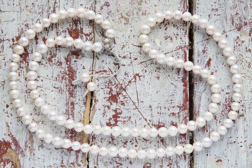 Буддийские четки из крупных жемчужин 108 бусин с серебряной гуру