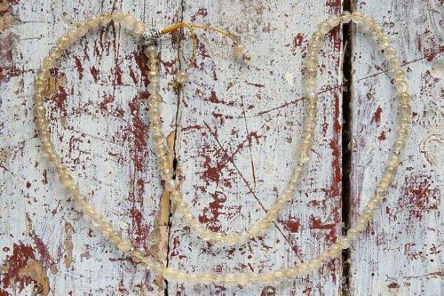 Буддийские четки из «золотого» кварца-волосатика с серебряной гуру 108 бусин