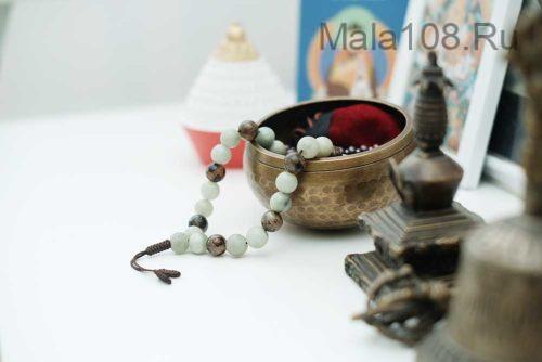 Крупные буддийские четки-браслет из агата и бусин Дзи